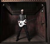 Joe_Satriani_MAIN PR Shot